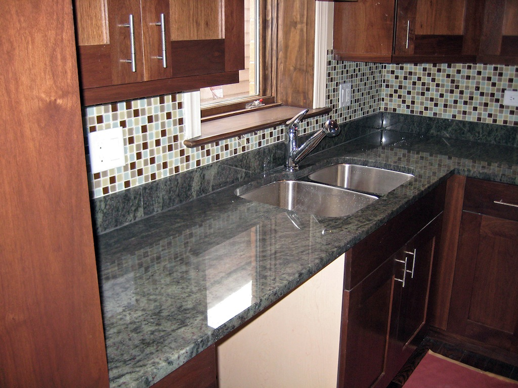 Kitchen gallery granite design of midwest for Midwest kitchen and bath